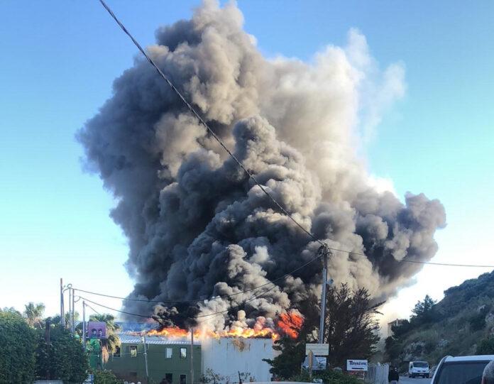 φωτιά σε εργοστάσιο τυποποίησης ελαιολάδου